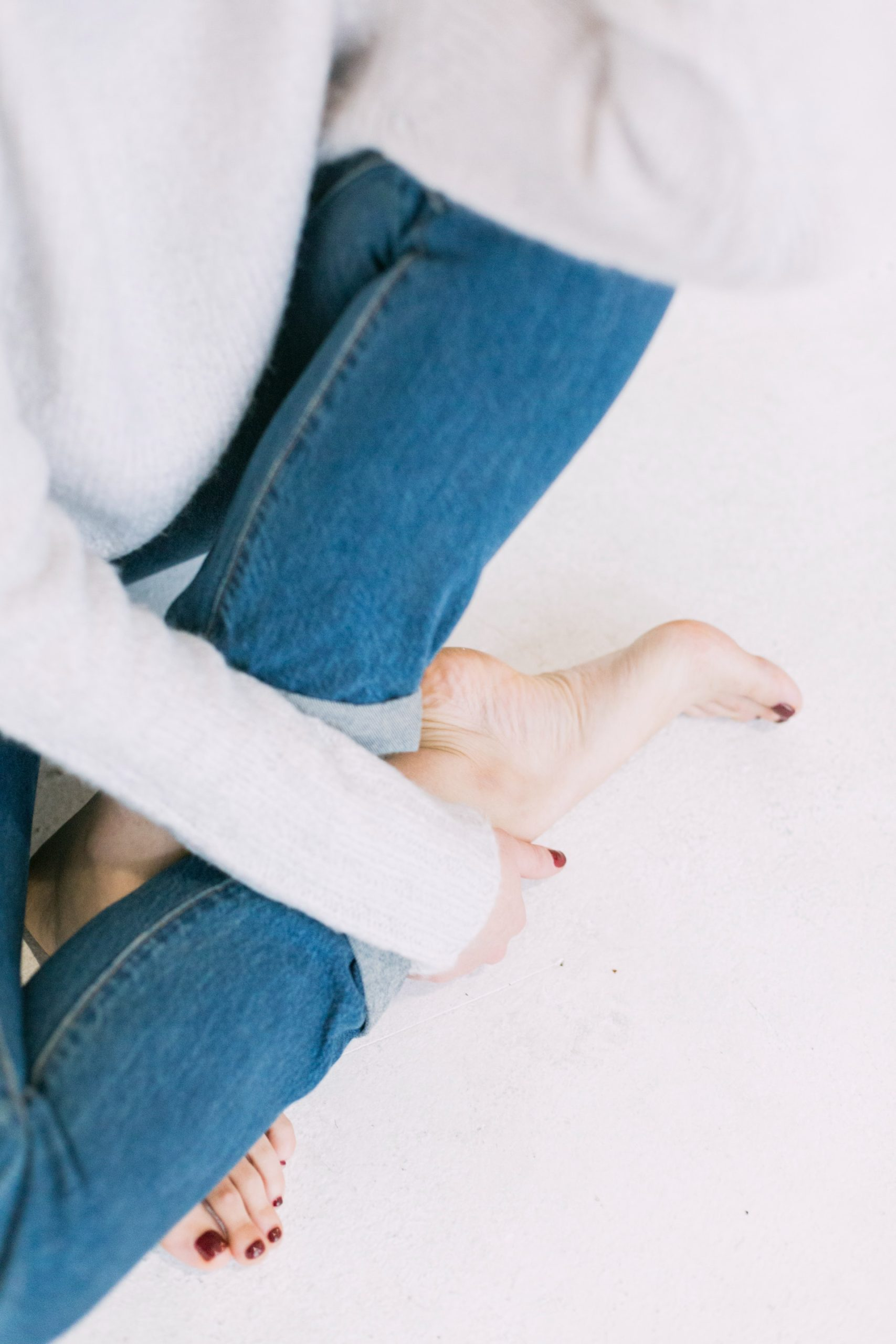 Why Do My Feet Hurt When I Stand For a Long Time?