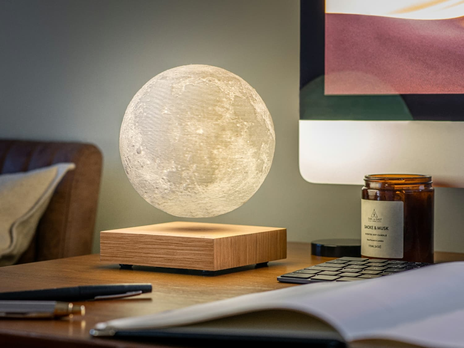 Everyday Praxis and Applications of the Distinctive Moon Lamp